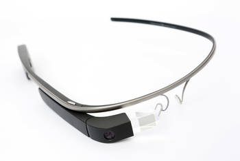 Google Glass Explorer Edition (2014); Foto: Tim.Reckmann (CC BY-SA 3.0)